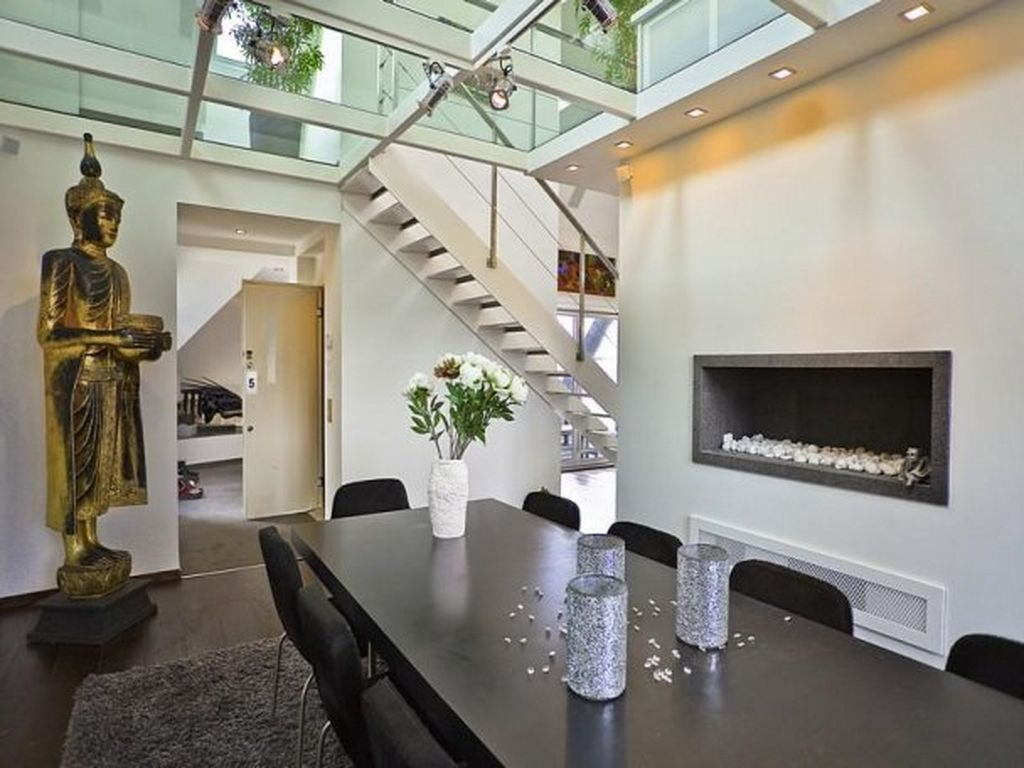 City Loft Apartment: Loft apartment with garden along canal in ...
